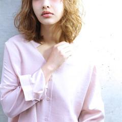 ハイライト ミディアム 大人かわいい パーマ ヘアスタイルや髪型の写真・画像