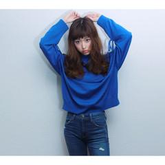 簡単ヘアアレンジ 外ハネ パーマ ロング ヘアスタイルや髪型の写真・画像