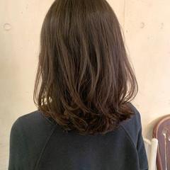 コテ巻き風パーマ レイヤーカット 韓国ヘア デジタルパーマ ヘアスタイルや髪型の写真・画像
