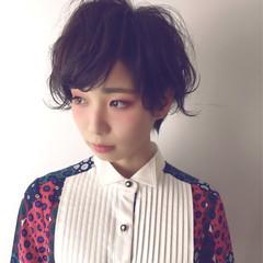イルミナカラー レイヤーカット ショート 暗髪 ヘアスタイルや髪型の写真・画像