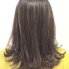 外国人風 ストリート セミロング グレージュ ヘアスタイルや髪型の写真・画像