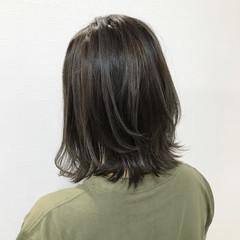 ミディアム 切りっぱなしボブ ナチュラル 外ハネ ヘアスタイルや髪型の写真・画像