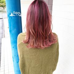 ナチュラル ピンク ミディアム ブリーチオンカラー ヘアスタイルや髪型の写真・画像