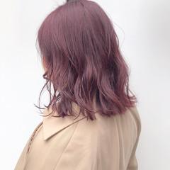 ミディアム ピンクラベンダー ピンクバイオレット ピンク ヘアスタイルや髪型の写真・画像
