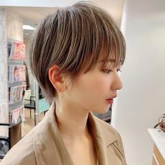 ショートボブ フェミニン ハンサムショート マッシュショート ヘアスタイルや髪型の写真・画像