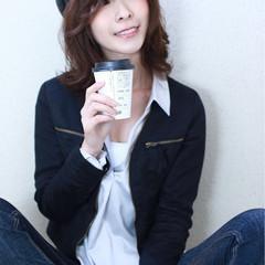 抜け感 ミディアム フェミニン 黒髪 ヘアスタイルや髪型の写真・画像