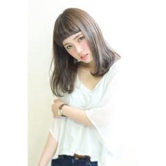 ブルーアッシュ ナチュラル イルミナカラー 艶髪 ヘアスタイルや髪型の写真・画像