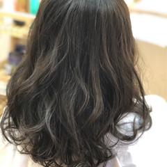 波ウェーブ ミディアム ナチュラル イルミナカラー ヘアスタイルや髪型の写真・画像