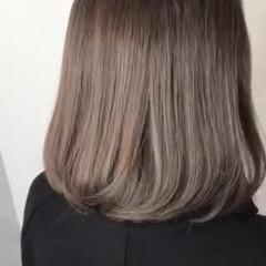 ボブ グレーカラー ストリート ハイトーンカラー ヘアスタイルや髪型の写真・画像