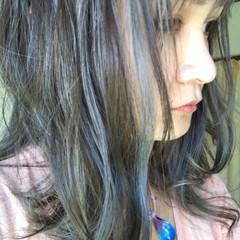 ストリート インナーカラー グレージュ アッシュグレージュ ヘアスタイルや髪型の写真・画像