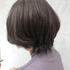 ショートヘア ゆる巻き ナチュラル ウルフカット ヘアスタイルや髪型の写真・画像
