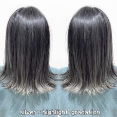 ミディアム ストリート グラデーションカラー シルバー ヘアスタイルや髪型の写真・画像