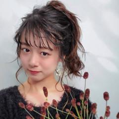 フェミニン 黒髪 セミロング ヘアアレンジ ヘアスタイルや髪型の写真・画像