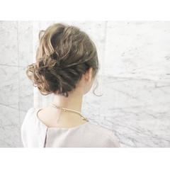 ヘアアレンジ セミロング ヌーディーベージュ ナチュラル ヘアスタイルや髪型の写真・画像