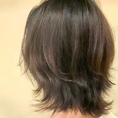 ウルフカット グレージュ ナチュラル 大人かわいい ヘアスタイルや髪型の写真・画像