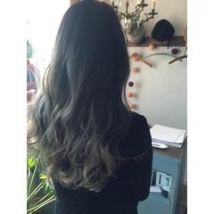 黒髪 グラデーションカラー アッシュ グレージュ ヘアスタイルや髪型の写真・画像