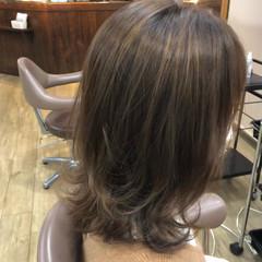 ミディアム ハイライト ウルフカット ナチュラル ヘアスタイルや髪型の写真・画像