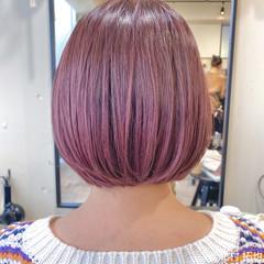ラズベリーピンク 透明感カラー ピンクバイオレット ブリーチオンカラー ヘアスタイルや髪型の写真・画像