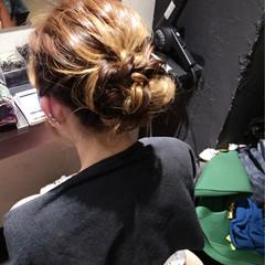 かわいい ナチュラル ミディアム ねじり ヘアスタイルや髪型の写真・画像