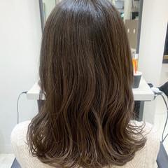 パーマ デジタルパーマ グレージュ ナチュラル ヘアスタイルや髪型の写真・画像