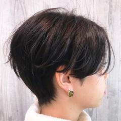 ハンサムバング ショート アウトドア ハンサムショート ヘアスタイルや髪型の写真・画像