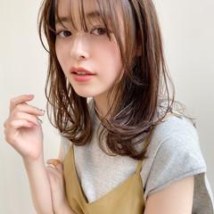 ミディアム レイヤーカット 簡単スタイリング アンニュイほつれヘア ヘアスタイルや髪型の写真・画像