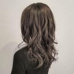 外国人風 イルミナカラー アッシュ グレージュ ヘアスタイルや髪型の写真・画像