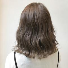 外国人風 グレージュ アンニュイ デート ヘアスタイルや髪型の写真・画像