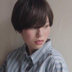 ショートヘア 大人可愛い 簡単スタイリング ナチュラル ヘアスタイルや髪型の写真・画像