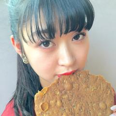 ぱっつん ロング ナチュラル 黒髪 ヘアスタイルや髪型の写真・画像