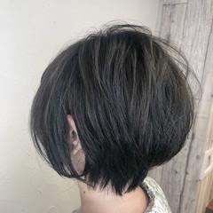 ショートヘア ミニボブ オリーブアッシュ ショート ヘアスタイルや髪型の写真・画像