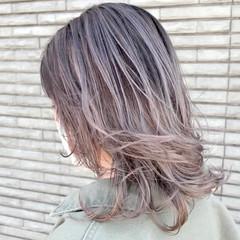 外国人風 ナチュラル ミディアムレイヤー レイヤースタイル ヘアスタイルや髪型の写真・画像