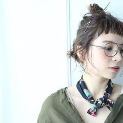 簡単ヘアアレンジ ガーリー アッシュ ショート ヘアスタイルや髪型の写真・画像