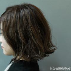 外国人風 モード ハイライト アッシュ ヘアスタイルや髪型の写真・画像