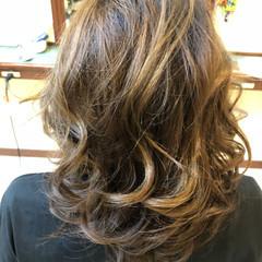 白髪染め ミディアム ハイライト グラデーションカラー ヘアスタイルや髪型の写真・画像