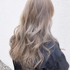 ミルクティーベージュ 外国人風カラー ガーリー ベージュ ヘアスタイルや髪型の写真・画像