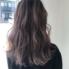 フェミニン アディクシーカラー ラベンダーアッシュ セミロング ヘアスタイルや髪型の写真・画像
