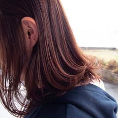 デート オフィス ミディアム パーマ ヘアスタイルや髪型の写真・画像