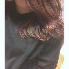 ミディアム インナーカラー ピンク ベリーピンク ヘアスタイルや髪型の写真・画像