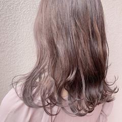 ベリーショート フェミニン ウルフカット 切りっぱなしボブ ヘアスタイルや髪型の写真・画像