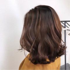 大人カラー ピンクベージュ エレガント ブリーチなし ヘアスタイルや髪型の写真・画像