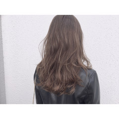 ゆるふわ アッシュ ハイライト セミロング ヘアスタイルや髪型の写真・画像