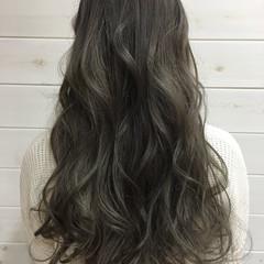ハイライト ロング グラデーションカラー 暗髪 ヘアスタイルや髪型の写真・画像