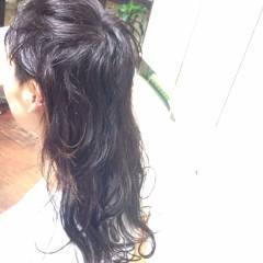 ウルフカット ロング ウェットヘア ストリート ヘアスタイルや髪型の写真・画像