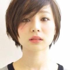 丸顔 黒髪 ショート 大人かわいい ヘアスタイルや髪型の写真・画像