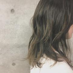 大人ハイライト バレイヤージュ ミディアム ハイライト ヘアスタイルや髪型の写真・画像