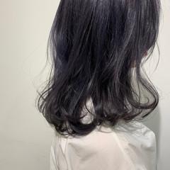 韓国ヘア ネイビー ミディアム ブリーチカラー ヘアスタイルや髪型の写真・画像