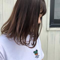 ショートバング ミルクティー ナチュラル ロングヘアスタイル ヘアスタイルや髪型の写真・画像