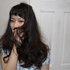 暗髪 ゆるふわ パーマ ナチュラル ヘアスタイルや髪型の写真・画像