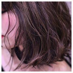 ボブ 波ウェーブ 色気 アッシュ ヘアスタイルや髪型の写真・画像